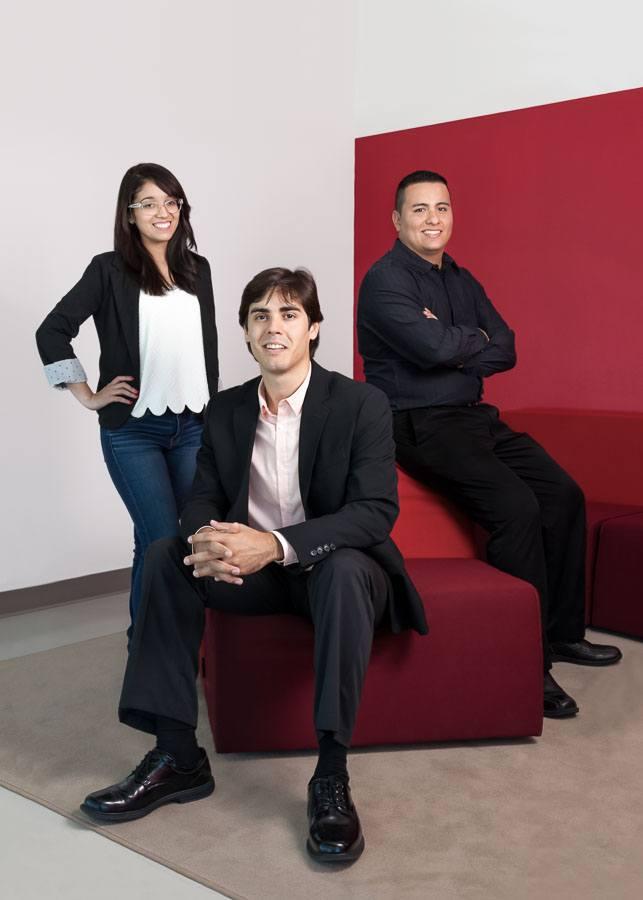 Group photo young entrepreneurs